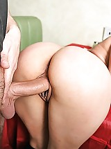 Teeny Girl needs to fuck the waiters big dick to pass the final test